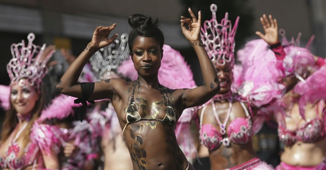 London's Notting Hill Carnival honors tower fire victims
