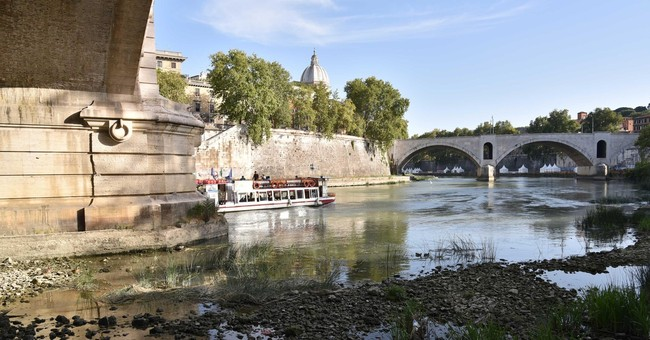Rome to reduce night-time water pressure to ease drought