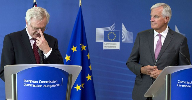 Juncker: No talks on new ties before Brexit issues settled
