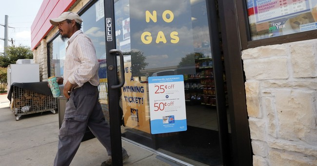 Texas drivers rush to fill gas tanks as pump prices rise
