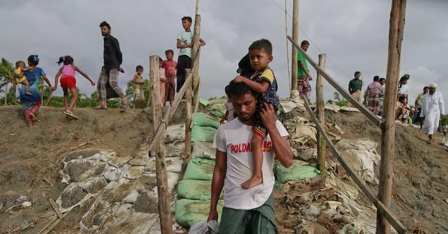 Boats carrying fleeing Rohingya sink in Bangladesh; 26 dead