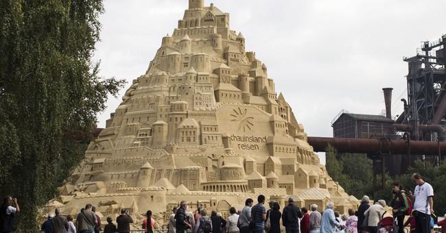 World's highest sandcastle built in German city