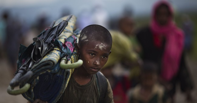 AP PHOTOS: Thousands of Rohingya pour into Bangladesh