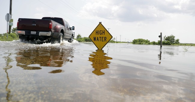 AP PHOTOS: Harvey misery spreads to other towns in 2 states