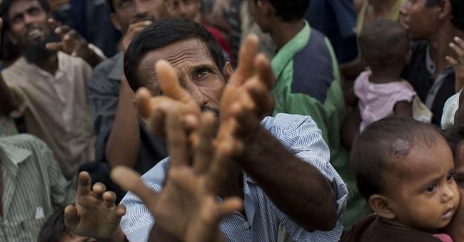 More Rohingya pour into Bangladesh; camps at full capacity