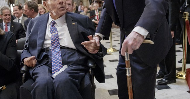 Congress votes to honor Bob Dole with gold medal