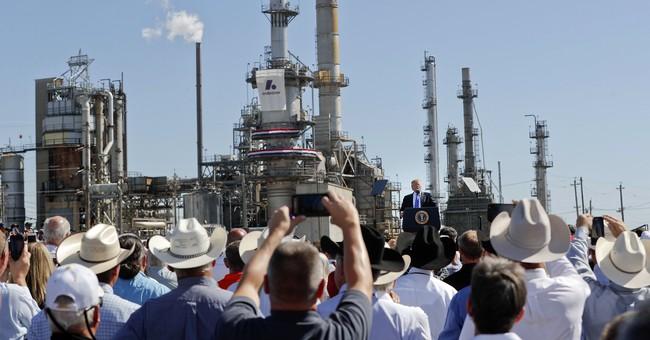 Trump courts Heitkamp in North Dakota tax pitch