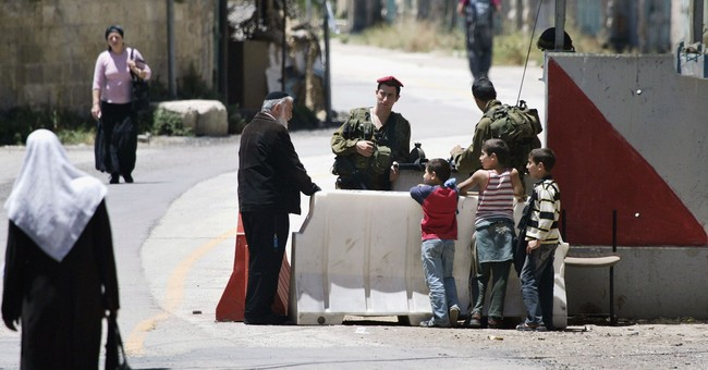Israel sets up services for settlers in volatile Hebron
