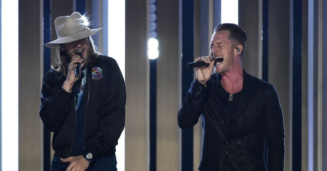 CMT Artists of the Year event to support hurricane recovery