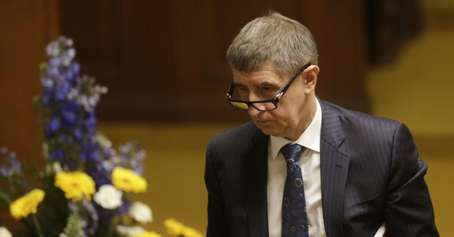 Czech lawmakers lift immunity of prime minister candidate