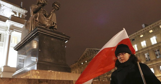 Polish students protest against populist government