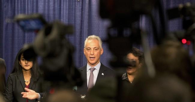 Chicago mayor welcomes help, warns against deploying troops