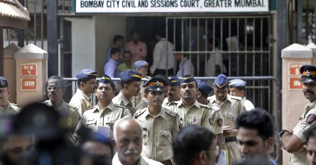 Indian court sentences 2 men to death in 1993 Mumbai blasts