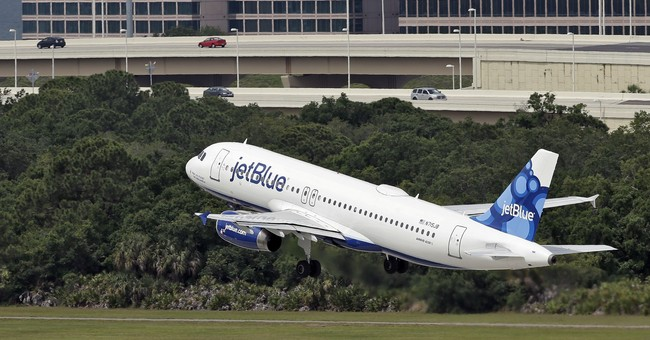 Airline seats disappearing as Irma approaches Florida