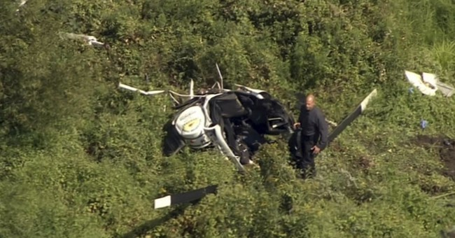 Helicopter crash kills country singer Troy Gentry and pilot