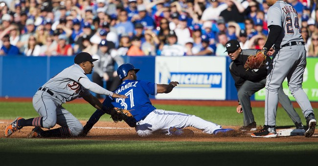 Pillar hits tiebreaking HR, Jays hold on to beat Tigers 5-4