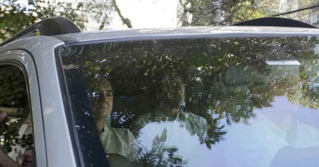 Brazil businessman turns himself into police in graft probe