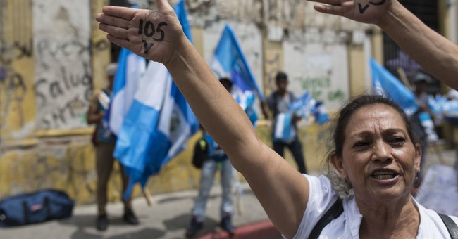 Guatemala congress rejects lifting president's immunity