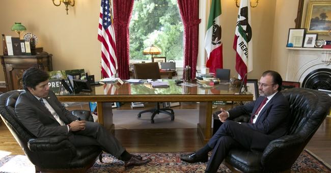 Mexico diplomat talks immigration in California trip