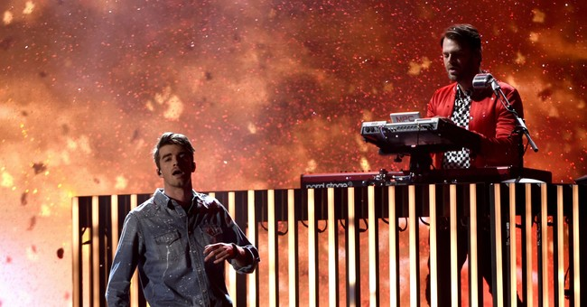 Chainsmokers' Alex Pall sorry for comment about China