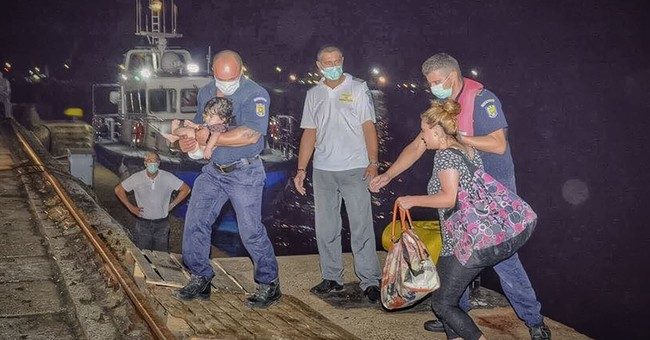 Romanian coast guards rescues 157 migrants from Black Sea