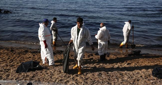Greece struggles to mop up oil spill; critics demand more