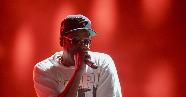 Jay-Z dedicates song to Colin Kaepernick at NYC concert
