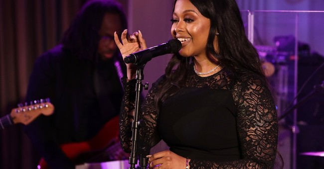 India.Arie defends Chrisette Michele's inaugural performance