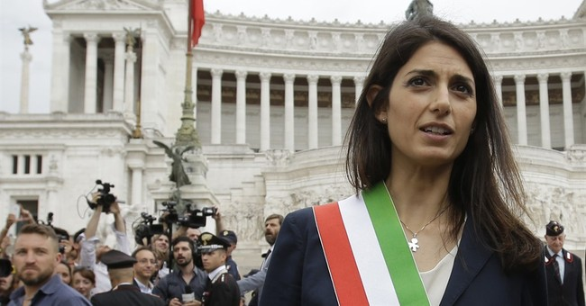 Italy's 5-Star leader backs Rome mayor under investigation