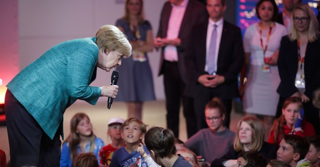Merkel answers questions at children's press conference