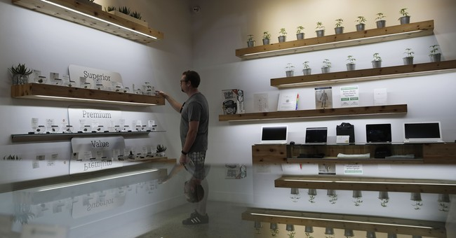Las Vegas officials waiting for Denver to act on pot lounges