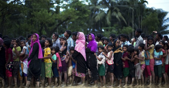 Tillerson speaks to Suu Kyi on Myanmar refugee crisis
