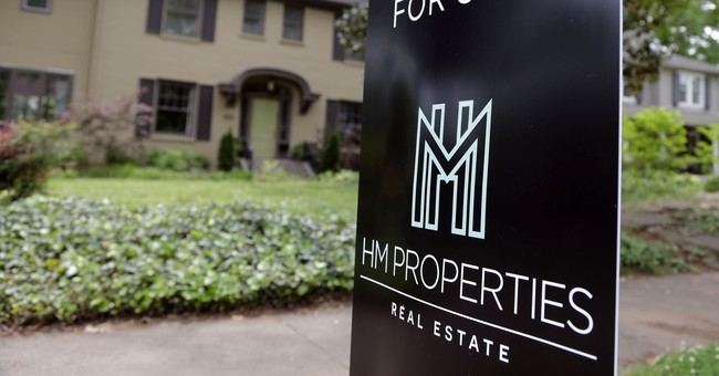 US home sales off 1.7 pct., hurt by Harvey and low supply