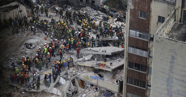 AP PHOTOS: 24 hours of fear, heroism after Mexico quake