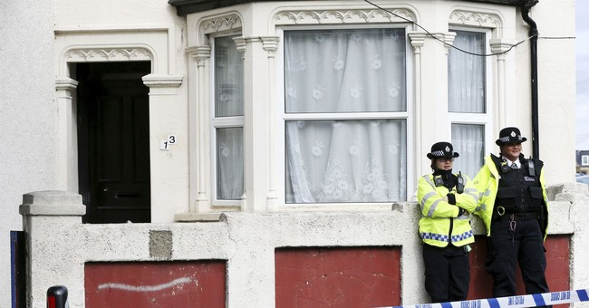 2 of 6 arrested over London subway bomb freed without charge