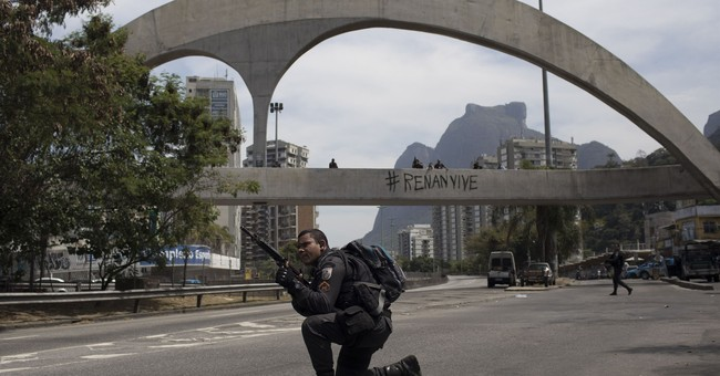 Army mobilizes in Rio as shootings erupt in several areas