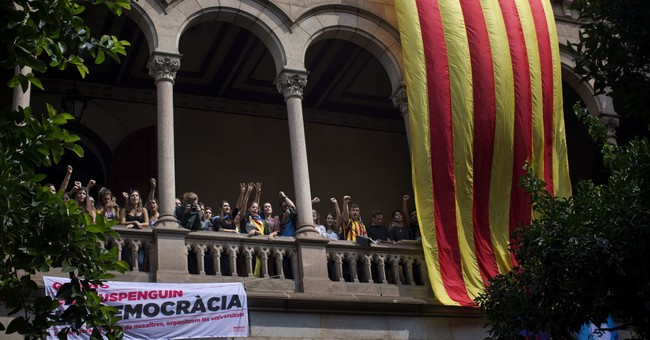 Spain to send extra police to try to halt Catalan referendum