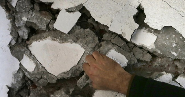 Mexican experts rush to inspect quake-damaged buildings