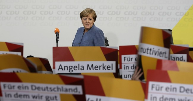 German business confidence dipped ahead of election