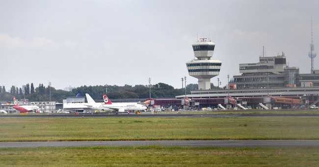 Berliners back call for city's Tegel Airport to stay open