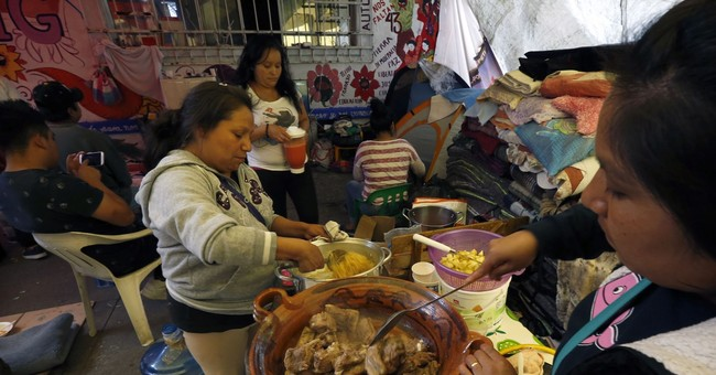 Immigrants touched by Mexico quake, try to help from afar