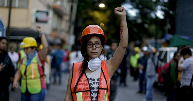 Mexican women show resolve in earthquake's aftermath