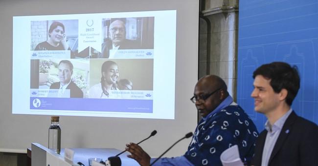 3 share 'Alternative Nobel,' US lawyer gets honorary award