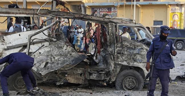 Somalia police say car bomb blast kills 5 in capital
