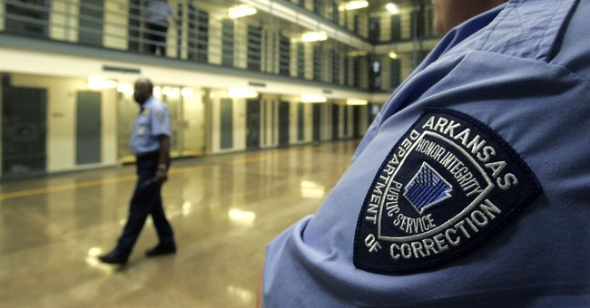 3 Arkansas guards assaulted by inmates at 2 prisons