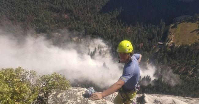 Yosemite's El Capitan scarred after 2 days of rock falls