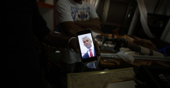 Attacking Israelis seen as way out for troubled Palestinians
