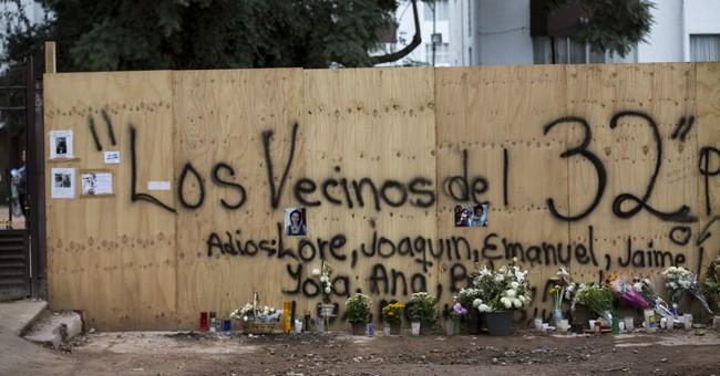 Memorials spring up at Mexico City's quake collapse sites