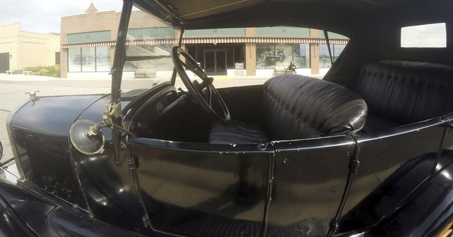 Museum in Michigan brings Model T driving to the masses