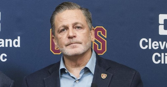 Cavs owner gets 'vile' voicemails after LeBron's 'bum' tweet